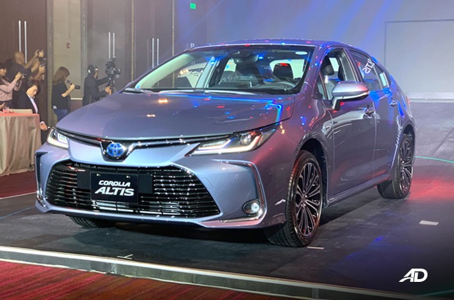 2020 Toyota Corolla Altis marks PH debut with new Hybrid ...