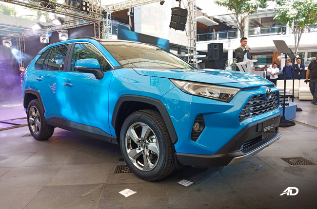 2019 Toyota Rav4 Makes Philippine Debut With New 2 5l Engine Autodeal